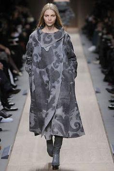 Julia Rossi: felt in clothing
