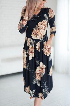 Kyra Floral Dress - Navy #mindymaesmarket #dreamcloset