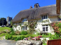 Thatched cottage in the quaint little village of Lustleigh Devon Cute Cottage, Cottage In The Woods, Cottage Living, Cottage Homes, Cottage Gardens, English House, English Cottages, Cabins And Cottages, Country Cottages