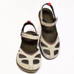 c8585fd688fa NEW Merrell Womens 8 39 Siren Wrap Sandals Taupe Aluminum Hook Loop Buckle