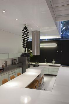 Casa 4 x 30 by CR2 Arquitectos + FGMF Arquitectos / São Paulo, SP, Brasil