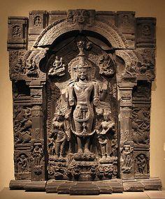 Lord Vishnu with Lakshmi & Sarasvati. Black stone sculpture. India (Bihar/West Bengal) or Bangladesh. 11th-12th century.