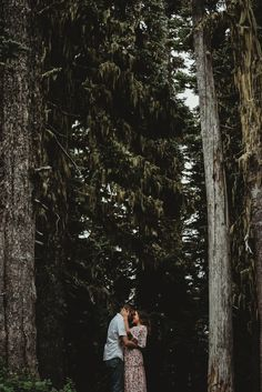 Sep 2019 - Adventure couple Photoshoot at Mount Rainier WA summertime wildflowers and woods trees and fog Outdoor Family Photography, Woods Photography, Couple Photography Poses, Underwater Photography, Maternity Photography, Underwater Photos, Film Photography, Landscape Photography, Wedding Photography