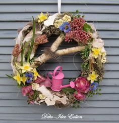 "Türkranz Frühling ""Frühlingsfrische"" von Deko-Idee Eolion auf DaWanda.com Tool Wreath, Diy Wreath, Valentine Decorations, Thanksgiving Decorations, Christmas Decorations, Wreaths And Garlands, Holiday Wreaths, Outside Decorations, Tree Decorations"