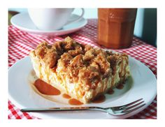 Apfel-Cheesecake-Streusel Schnitten mit gesalzenem Karamell / Apple-Cheesecake-Streusel Bars with salted Caramel – Kuchenphilosophie