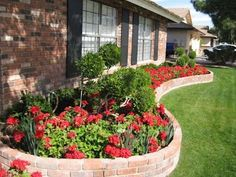 landscaping design ideas for backyard can be simple and within your budget. Try these simple landscaping design ideas for backyard the inexpensive way Garden Beds, Lawn And Garden, Home And Garden, Green Garden, Landscape Curbing, Landscape Steps, Brick Garden, Front Yard Landscaping, Landscaping Ideas