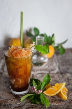 Spicy honey and rooibos granita with gin fizz and lotus leaf straw / Photographs / Production, Recipes & Styling: Maranda Engelbrecht / Location: Babylonstoren Spicy Honey, Gin Fizz, Elle Decor, Moscow Mule Mugs, Beverages, Drinks, Food Styling, Tableware, Party Time