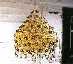 Pająk from the ethnography museum in Radom, east-central Poland Parol, Polish Folk Art, Handmade Decorations, Classroom Decor, Halloween Crafts, Paper Crafts, Hand Crafts, Interior Decorating, Chandelier