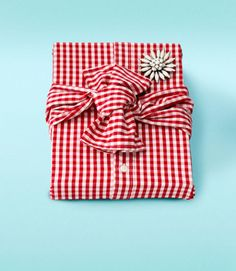 14 Unique Gift Wrapping Ideas for Christmas - Creative Holiday Gift Wrap - Country Living