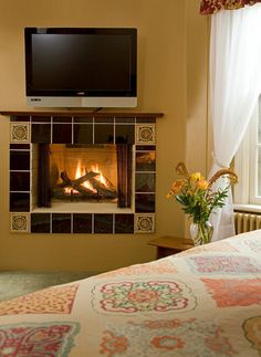 Simone's Retreat, king bed, gas fireplace, private bath with jetted shower. Starting at $180 #bramptoninn #bedandbreakfast
