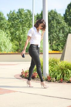 Fashion Bananas: ROCKING STUDS  (Pinned because...ooh, those black jeans are FIERCE. ♥)    Shirt: J.crew, Jeans: Topshop, Sunglasses: Ray Ban, Clutch: Love Moschino, Watch: BCBGMAXAZRIA, Shoes: Valentino