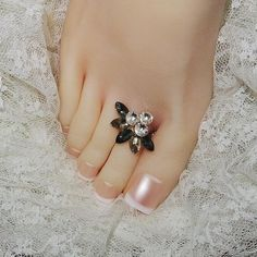 CoutureJewelers Sterling Silver Pink Enameled Floral Toe Ring
