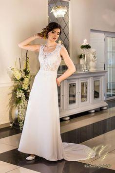 Suknia ślubna nr 5 z kolekcji Lumiere #victoriagabriela #weddingdress