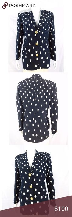 """Gianni Versace Couture Polka Dot Blazer - Size 40 Gianni Versace Couture Vintage 80's Polka Dot Blazer - Size 40  Size40 100% Silk Navy blue with white polka dots Fully Lined GORGEOUS gold Versace buttons From the 80s Light shoulder pads Front slit pockets Made in Italy  Condition:No signs of apparent wear, great condition for age. (Second hand item-has been worn by previous owner).  Measurements Length: 23"""" Chest: 36"""" Waist: 32"""" Back span: 15.5"""" Arm: 24""""                …"""