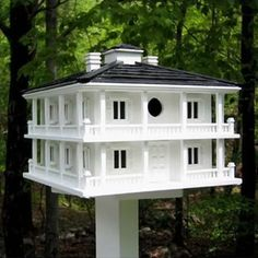 Decorative Bird Houses are a bird lovers architectural delight! Decorative bird houses in sizes from small bird houses to castle bird houses. Casas Club, Decorative Bird Houses, Bird House Kits, Bird Aviary, Southern Plantations, House Yard, Humming Bird Feeders, Nesting Boxes, Bird Cages