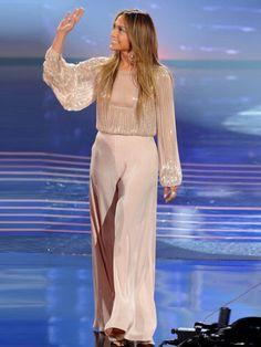 Jennifer Lopez%u2019s %u2018American Idol%u2019 Outfit: Wows In Wide-Leg�Trousers