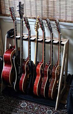 Diy Pallet Guitar Stand My Stuff Pinterest Guitar