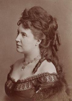 L'ancienne cour - 1870's Judith Gautier