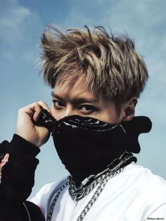Shinee Albums, Mood Lifters, Sexy Asian Men, Shinee Taemin, Korean Star, Fashion Poses, How To Look Better, Dancer, Kpop