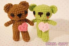 Moca and Mocha Heart bears amigurumi FREE crochet pattern is here: http://ohanacraft.tumblr.com/post/48614412663/moca-and-mocha-heart-bear-amigurumi-crochet-pattern