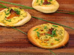 Mini Pizzas with Girolles, Chives and Ricotta The secret of a crispy pizza is to make sure the oven is hot!