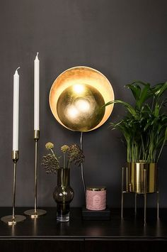This lamp has a cozy indirect light and is a luxurious detail in the home. The brass colored shades are made of metal. The lamp has a 200 cm long transparent cable with switch. Cable: 200 cm Transparent Cable with switch Demi Sphere, Luminaire Design, House Doctor, Brass Color, Color Shades, Globes, Candle Sconces, Free Design, Brighton