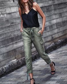 Fashion Mode, Fashion Pants, Look Fashion, Fashion Outfits, Womens Fashion, Fashion Trends, Street Fashion, Fashion Check, Street Chic