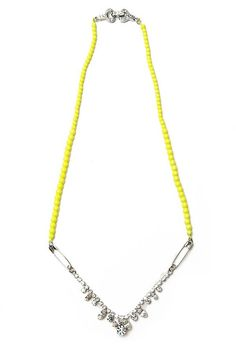 Tom Binns necklace- This looks like a pretty doable DIY project!