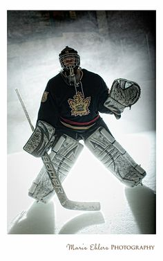 MEP Photo Blog: The Guy Behind the Mask - Maple Grove Hockey Goalie Senior Pictures | Maris Ehlers Photography