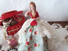 Porcelain Half Doll Pincushion Lady in Lace by VintagePolkaDotcom