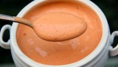 Any good Mexican inspired dish can use a nice creamy chipotle sauce to make its flavor palette even better. This chipotle sauce is delicious and super simple Chipotle Crema, Chipotle Sauce, Sauce Recipes, Cooking Recipes, Keto Recipes, Keto Foods, Fish Taco Sauce, Mexican Crema, Garlic Juice