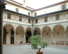 16 Brunelleschi. Ospedale degli Innocenti, Inner Courtyard