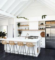 40+ Beauty Apartment Kitchen Decorating Ideas #apartment #apartmentkitchen #apartmentdecoratingideas