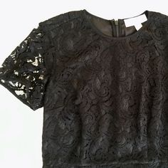 🆑 {5⭐️} Michael Kors Black Lace Overlay Dress {5⭐️} Michael Kors Black Lace Overlay Cap Sleeve Dress. Fully lined with zipper down the back. Price is Firm Unless Bundled. 10% Off 2 Item 15% Off 3 Items or More Michael Kors Dresses Mini