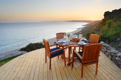 A small vacation retreat rental overlooking Whitsand Bay in Cornwall, UK.