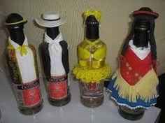 Como vestir una botella Decoradas con pintura, encajes, cintas y telas recicladas