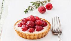Wypróbuj nasze przepisy na pyszne tarty z owocami! Proponujemy tartę z jabłkami, wiśniami, truskawkami, malinami i inne tarty.