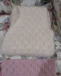 Best 12 Monica Sosa's media content and analytics Baby Knitting Patterns, Jumper Knitting Pattern, Cardigan Pattern, Lace Knitting, Knitting Stitches, Top Pattern, Cable Cardigan, Turkish Fashion, Moda Emo