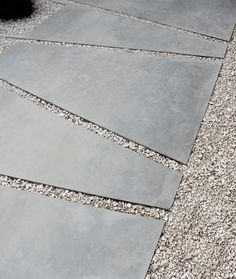 Cute Pavement Molds For Backyard Landscaping 08 Paver Pathway, Driveway Paving, Garden Paving, Garden Paths, Paver Sand, Paver Edging, Paver Stones, Diy Paver, Concrete Pathway