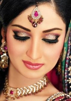 Gorgeous eye shadow. This makeup artist definitely knew what he/she was doing. ---- #wedding #bridal #makeup #indian