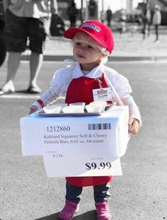 OMG a Costco sample stand! This might be the cutest Halloween Costume of the season Family Halloween Costumes, Spooky Halloween, Halloween Party, Homemade Halloween Costumes, Vintage Halloween, Halloween Costume Contest, Vintage Witch, Group Costumes, Adult Halloween