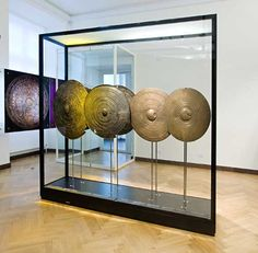 The bronze shields found in Danish bogs were made in central Europe in the period 1100-700 BC. Such bronze shields are known from Italy in the south to Sweden in the north, from Spain and Ireland in the west to Hungary in the east. It is unlikely that the shields were used in war or battle. They were used in rituals. From ancient Rome we hear of ancient ceremonies where priests danced in the spring and autumn with the sacred shields.