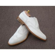 Amazing white classic shoes Italian Shoes For Men, Men Dress, Dress Shoes, Oxford Shoes, Lace Up, Footwear, Classic, Amazing, Fashion