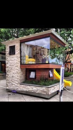 This is an awesome playhouse! :)