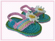 Babyschuhe Flip Flops Gänseblümchen von Bunt gehäkelt von Petra auf DaWanda.com