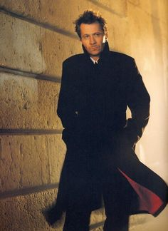 gary oldman/@Amy Watson I've gotta coat like that!