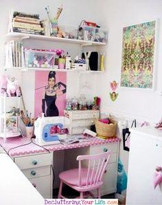 Creating a Craft Room in a Small Home - Craft Room Organizing Ideas #gettingorganized #goals #organizationideasforthehome