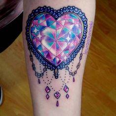 Diamante de corazon arcoiris como primer tatuaje para una chica super linda 😊💖 es un honor que me esocjan para hacerles su primer bebesin e insp... - ✨🦄Laura Anunnaki🌸✨ (@anunnakitattoo)