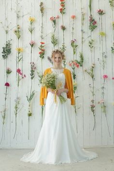 Discovered by María José. Find images and videos about wedding, moda and beauty on We Heart It - the app to get lost in what you love. Wedding Bride, Floral Wedding, Diy Wedding, Wedding Flowers, Dream Wedding, Wedding Day, Wedding Dresses, Rustic Wedding, Wedding Photo Walls