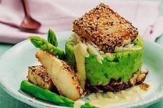 """Haben Sie schon einmal Brennnesseln zubereitet oder Spargel mit Orange kombiniert? Dank des Buchs """"Die vegane Kochschule"""" gelingen uns jetzt auch raffinierte Gerichte."""